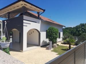 Dom Krnica, Pavicini 196871 Istria