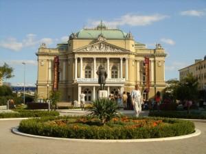 Kasalisni Park und Theater von Rijeka